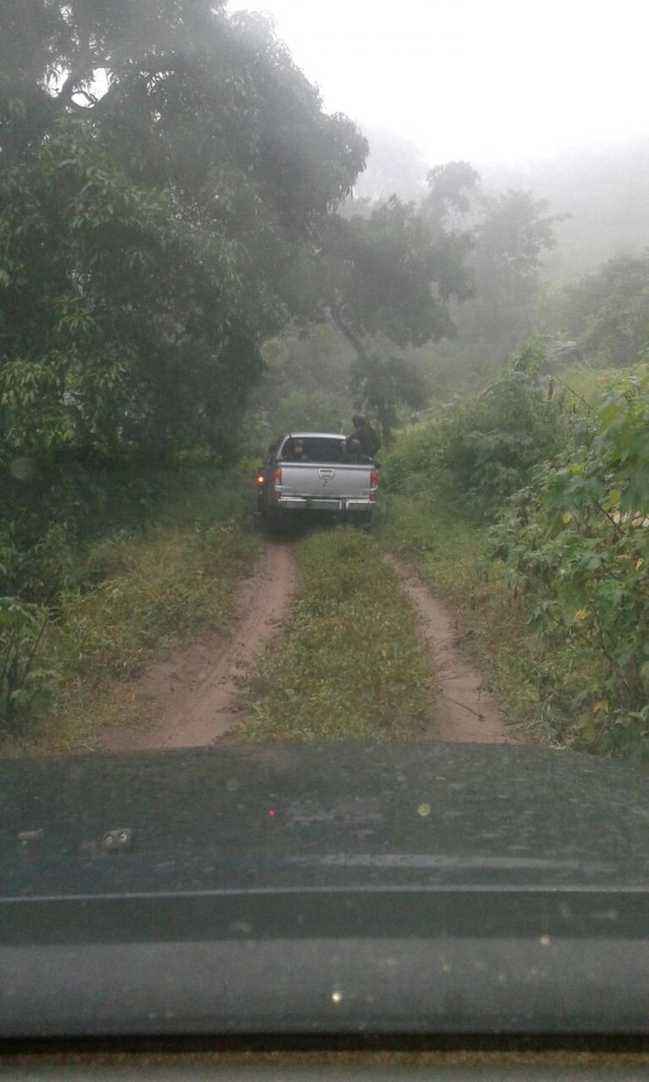 La detención de los supuestos delincuentes se realizó en un área montañosa de El Progreso. (Foto: @MPguatemala)