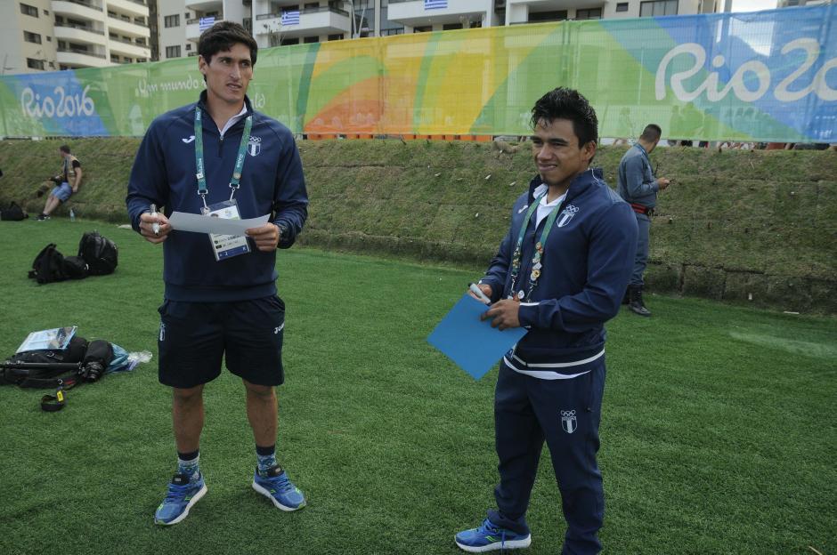Maegli y Ramos compartieron unos minutos en la Villa Olímpica.  (Foto: Aldo Martínez/Enviado de Nuestro Diario)