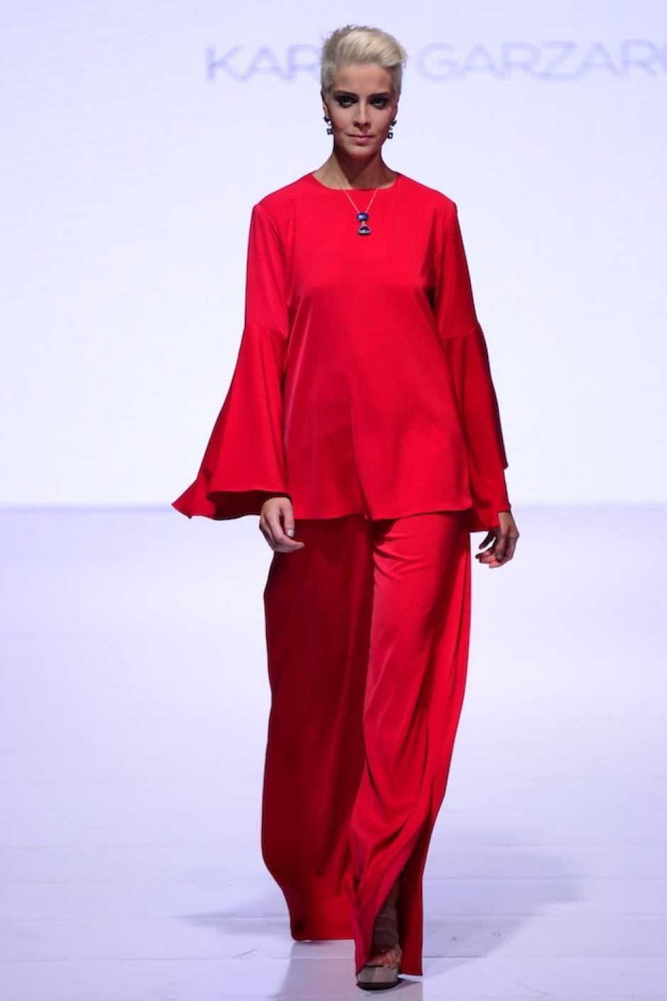 El rojo también tiene protagonismo en esta colección. (Foto: Selene Mejía/Soy502)