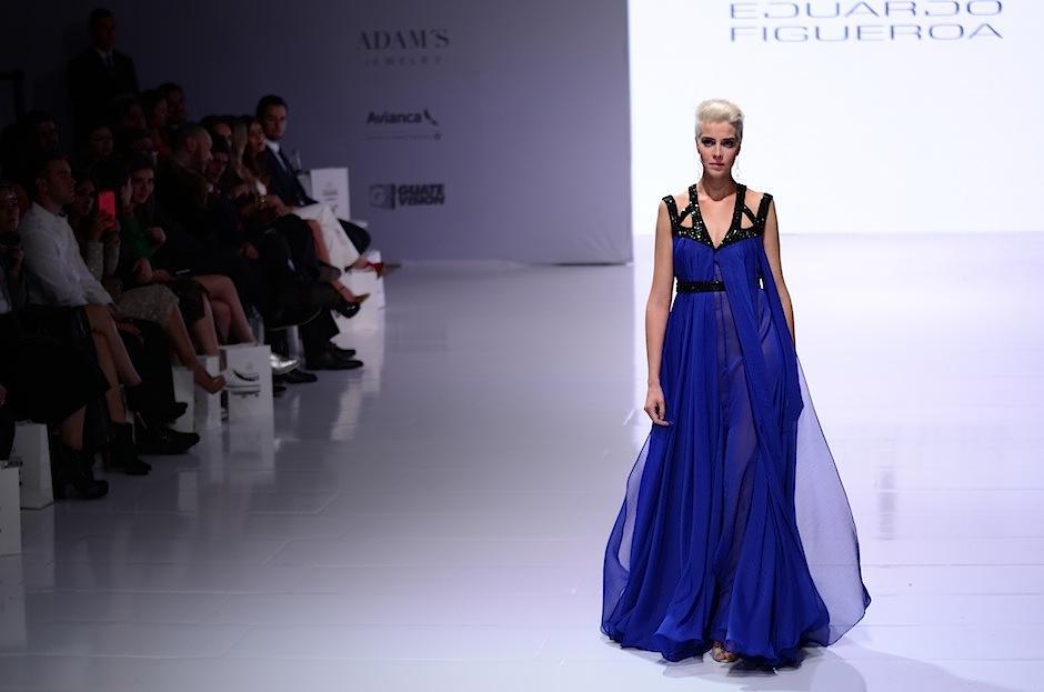Las telas delicadas hicieron su obra en los vestidos. (Foto: Selene Mejía/Soy502)
