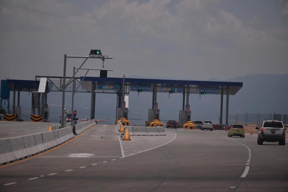Cuenta con tres garitas de peaje durante el recorrido de 11 kilómetros. (Foto: Wilder López/Soy502)