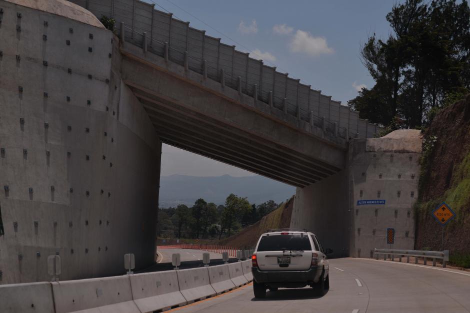 También el paso cuenta con varios puentes. (Foto: Wilder López/Soy502)