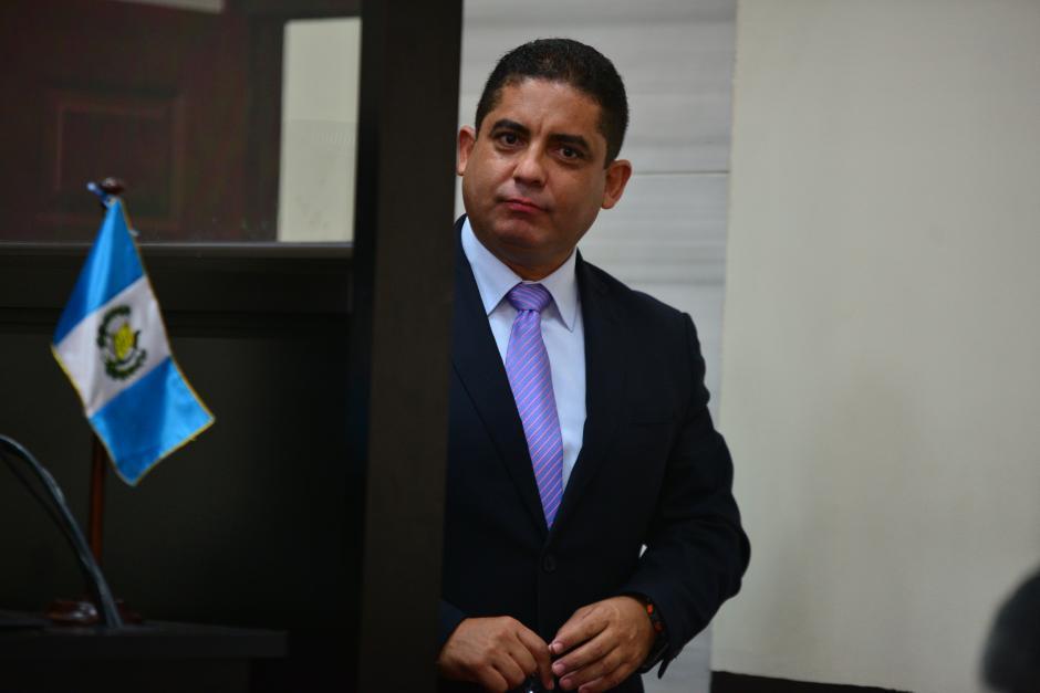 """Luego de evadir la justicia por seis meses, Juan Carlos Monzón Rojas se presentó de forma voluntaria al Juzgado de Mayor Riesgo """"B"""". (Foto: Wilder López/Soy502"""