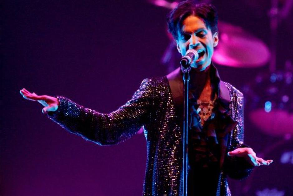 Prince tenía en su casa pastillas de opiáceos etiquetadas como hidrocodona que en realidad contenían fentanilo. (Foto: Archivo)
