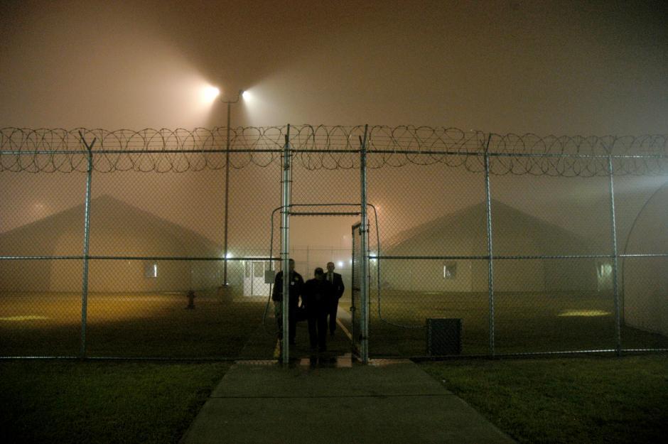Esta es la prisión de Willacy en Texas, Estados Unidos, donde cientos de guatemaltecos, salvadoreños y mexicanos esperan por meses ser deportados a sus países. (Esteban Biba/Soy502)