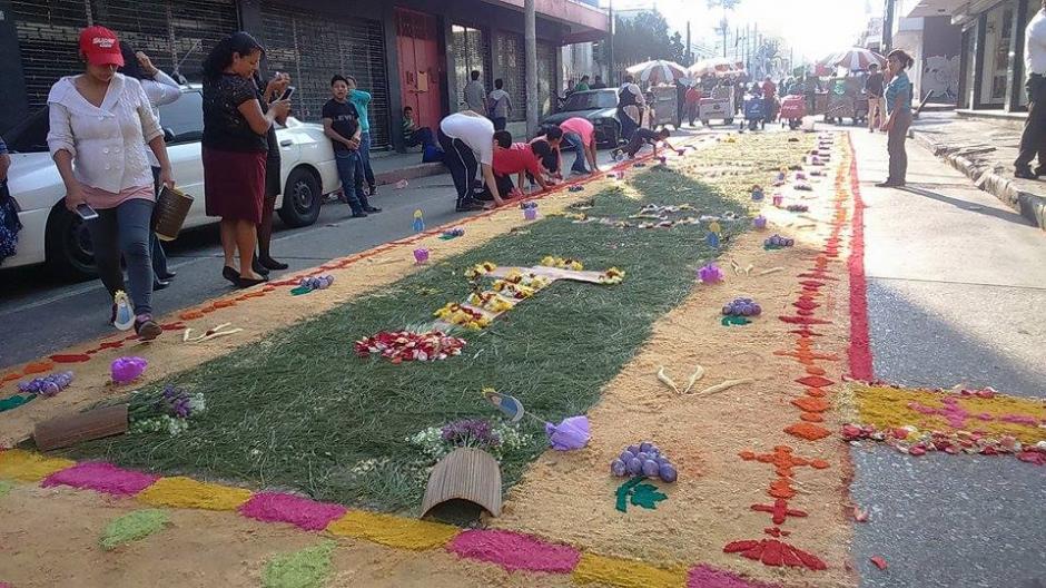 Las alfombras son tradicionales en Cuaresma y Semana Santa. (Foto: Jorge Sente/Nuestro Diario)