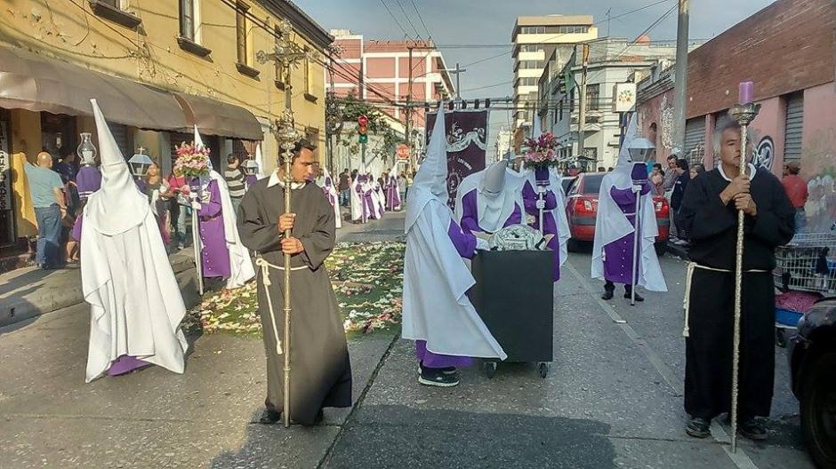 La Cofradía de San Francisco organiza la procesión. (Foto: Jorge Sente/Nuestro Diario)