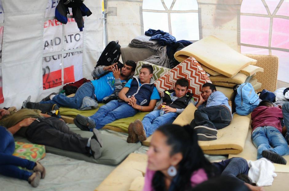 Los pobladores de La Puya estarán ubicados en ese lugar hasta que el ministro los atienda. (Foto: Alejandro Balan/Soy502)