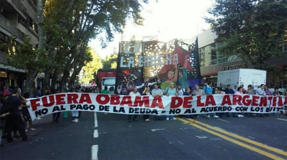 Varias organizaciones argentinas manifestaron en contra de la visita del presidente estadounidense Barack Obama. (Foto: Telesur)
