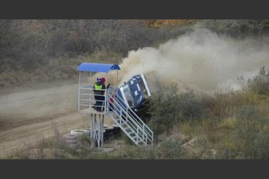 El piloto milagrosamente salió ileso. (Foto: Captura de video)