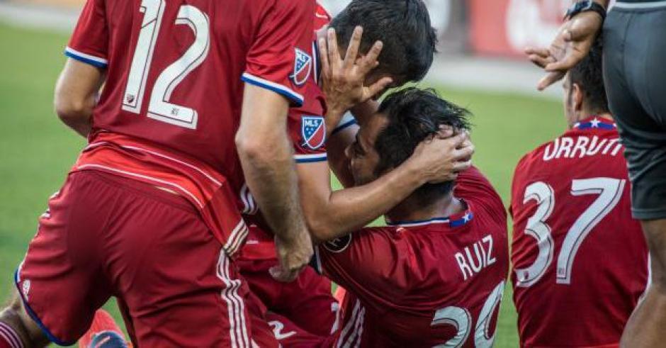 Carlos Ruiz marcó un golazo en los últimos minutos del juego entre Dallas y Seattle. (Foto: Twitter/FC. Dallas)