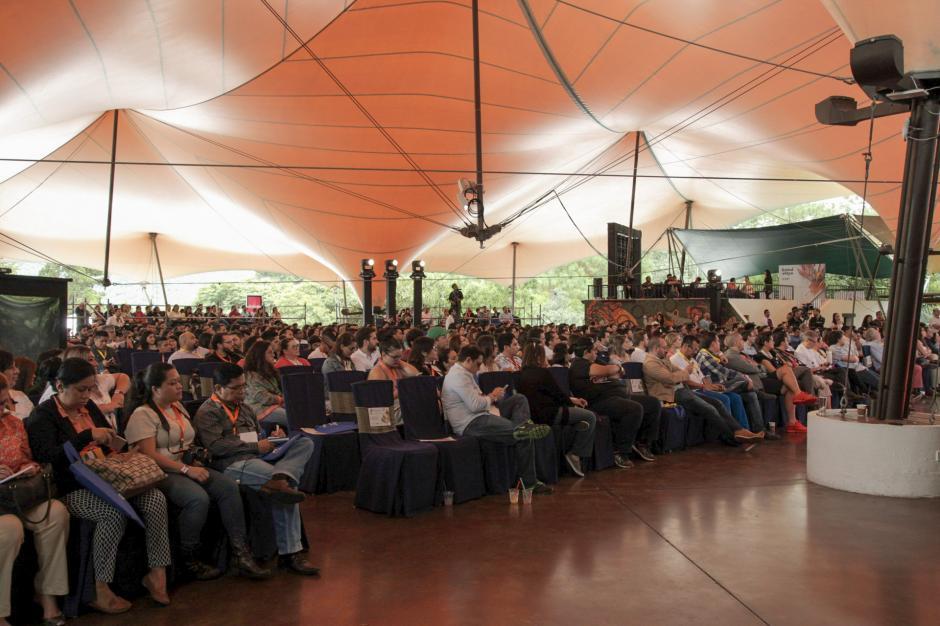 La sala de conferencias se mantuvo llena durante los dos días de charlas. (Foto: George Rojas/Soy502)
