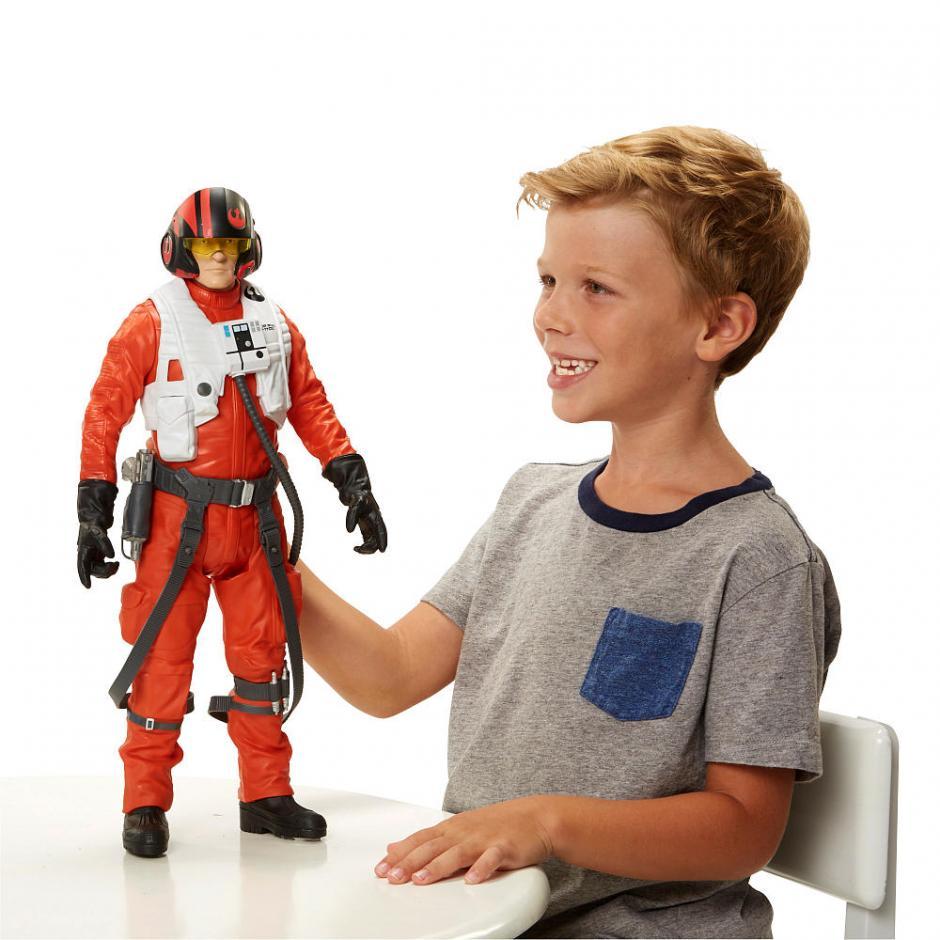 Figuras de acción de diversos tamaños están a la venta en las principales jugueterías estadounidenses. (toysrus.com)
