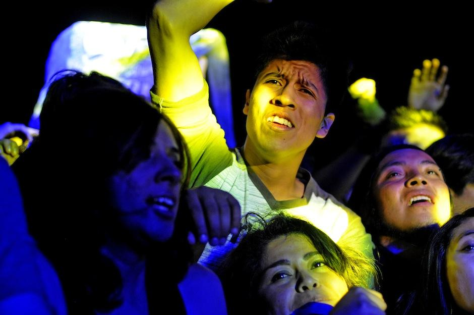 Jóvenes de todas las edades disfrutaron el show. (Foto: Esteban Biba/Soy502)