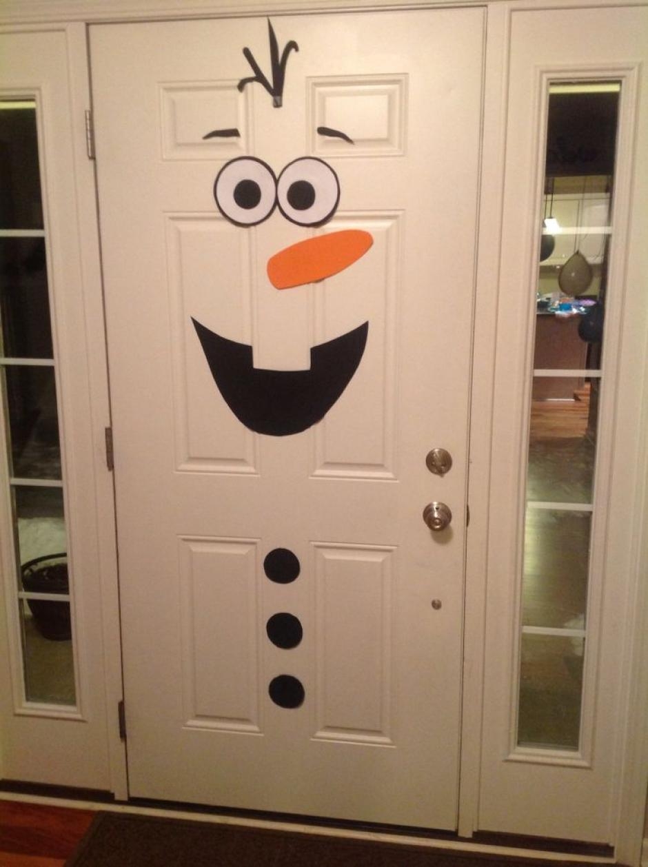 Puertas decoradas en navidad soy502 for Fotos de puertas decoradas de navidad
