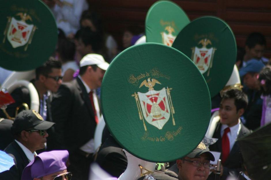 Jesús de los Milagros lleva un escudo verde. (Foto: Raúl Illescas).