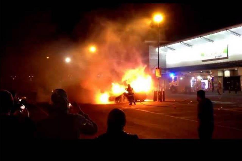 El seguidor escocés de Paul Walker quemó su Ford Focus como homenaje al fallecido actor estadounidense