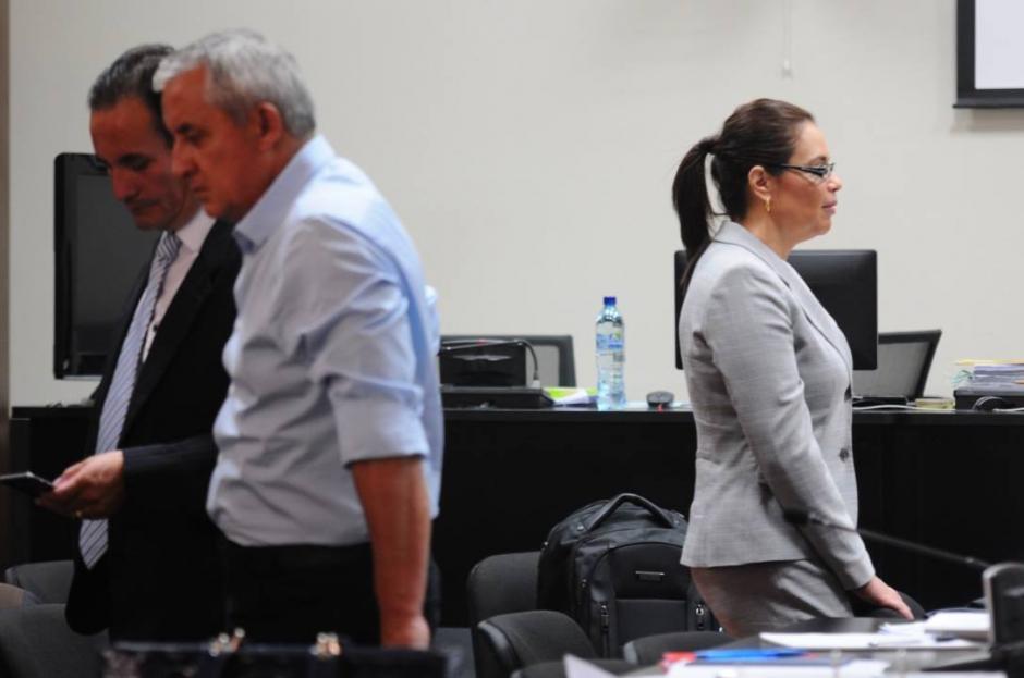 El exbinomio presidencial durante el quinto día de la audiencia de primera declaración. (Foto: Alejandro Balán/Soy502)