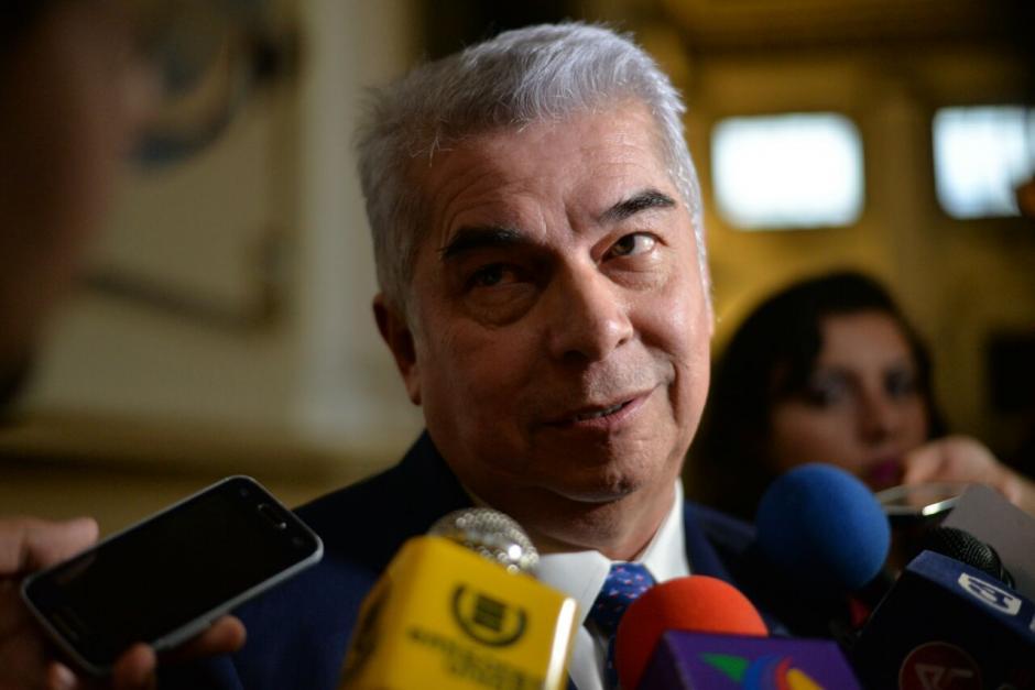 Luis Rabbé dijo que si otros diputados renunciaron es su problema.  (Foto: Wilder López/Soy502)