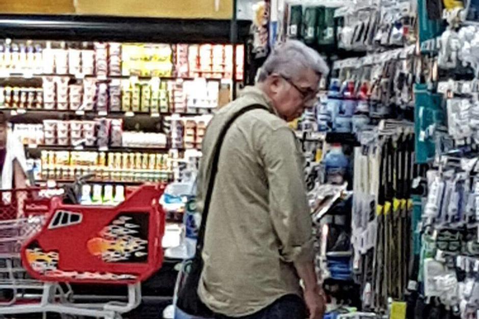 El todavía diputado Luis Rabbé fue visto realizando compras en Nicaragua. (Foto: Archivo/Soy502)