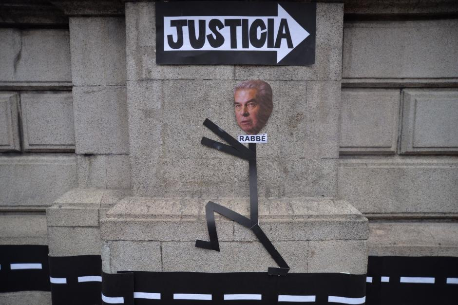 Varios manifestantes pidieron que Rabbé deje de ser diputado. (Foto: Wilder López/Soy502)