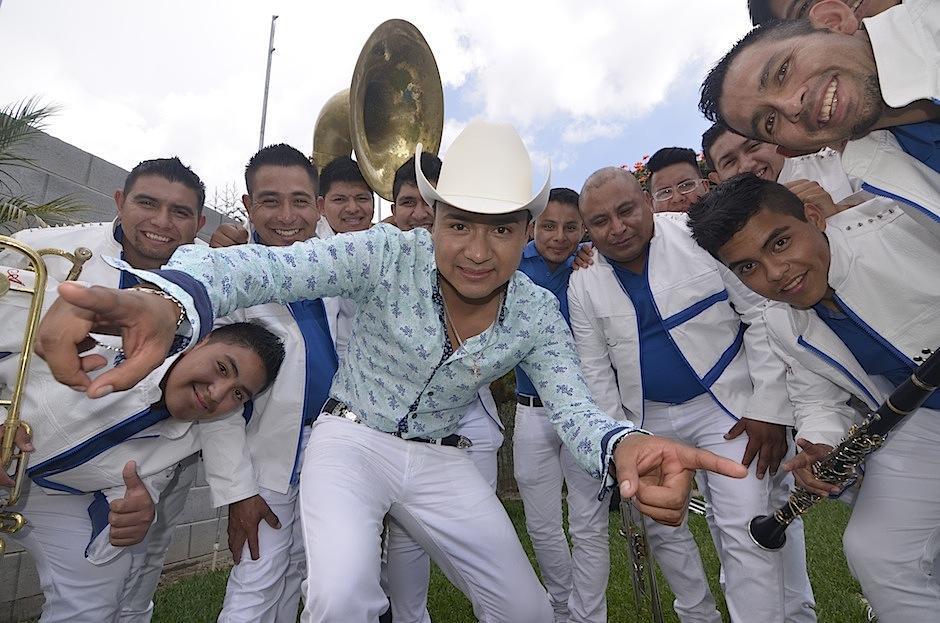 El guatemalteco posee una gran voz, que ha conquistado el difícil mundo de la banda, siendo uno de los primeros extranjeros en interpretarla en México. (Foto: Selene Mejía/Soy502)