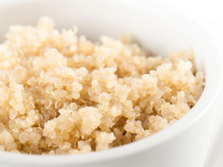 La quinoa es una semilla que da muchas proteínas y te ayuda en los cambios de humor. (Foto: rd.com)