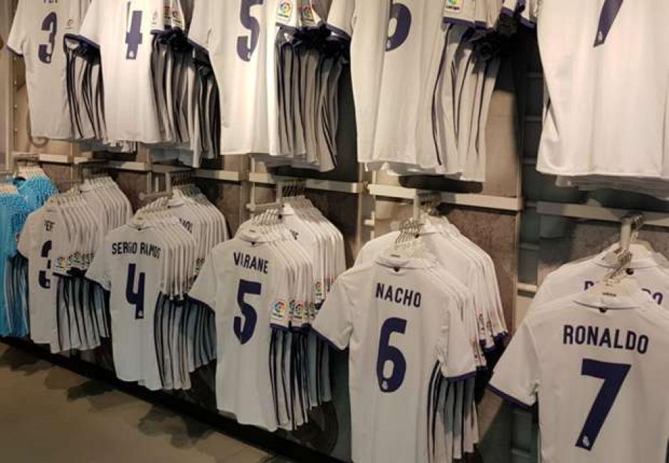 El canterano del Real Madrid, Carlos Aranda, jugará con un equipo de su barrio sin cobrar nada