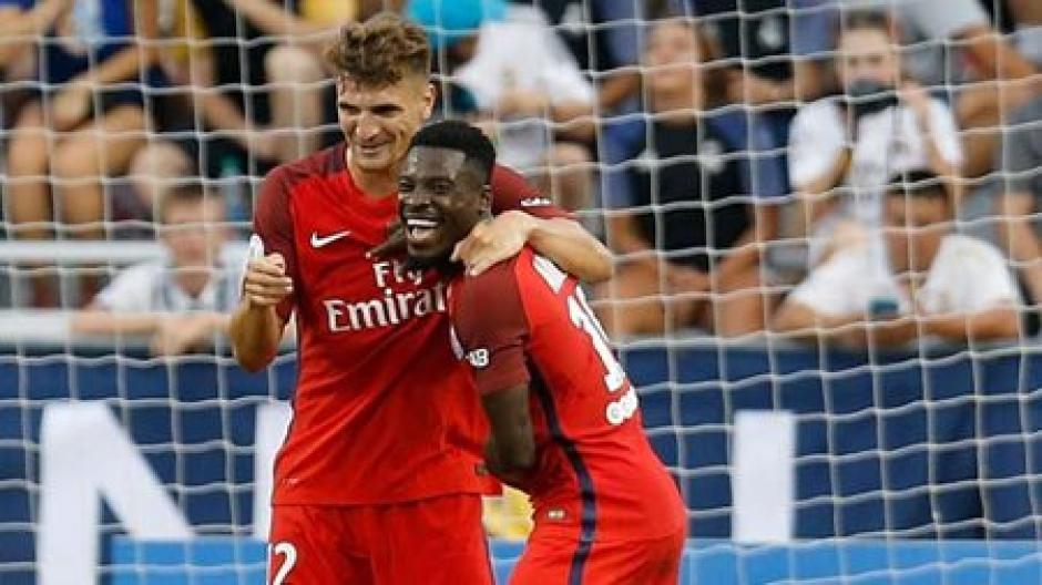 Los futbolistas del PSG festejaron el triunfo sobre el Madrid. (Foto: Twitter)