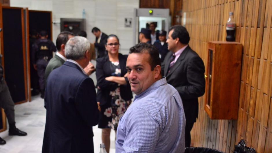 El expresidente Otto Pérez durante el receso para el almuerzo. (Foto: Jesús Alfonso/Soy502)