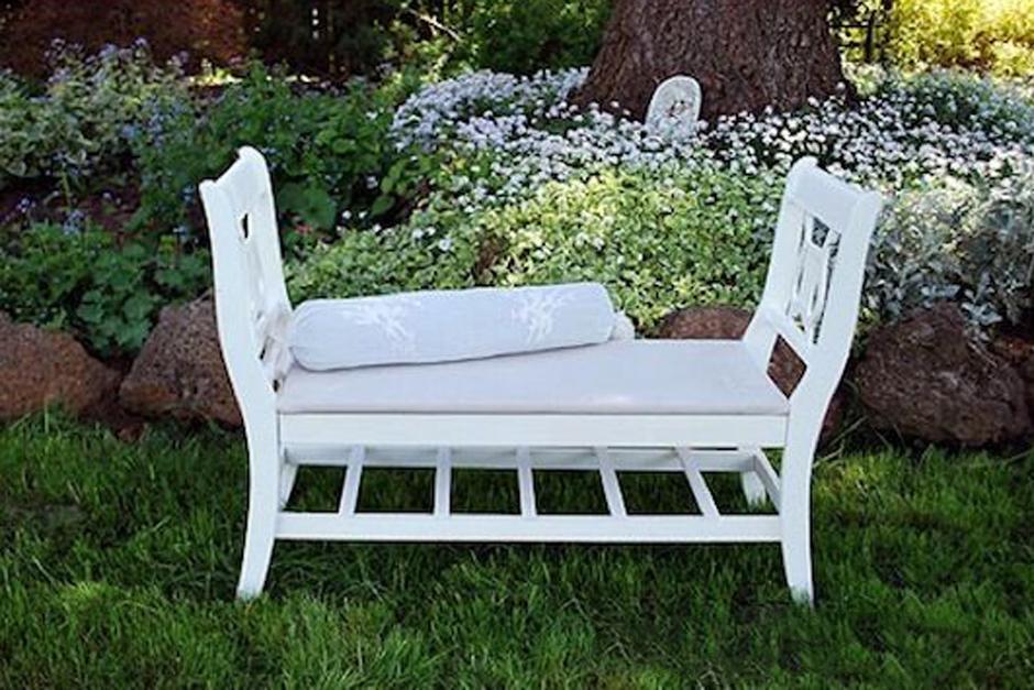 Recicla y reinventa: Puedes utilizar partes de tus muebles viejos creando una nueva pieza.