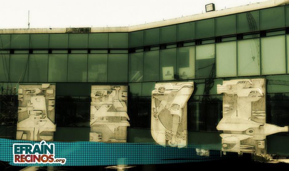 Sus personajes dicen adiós al viajero en el Aeropuerto Internacional La Aurora. (Foto: efrainrecinos.org)