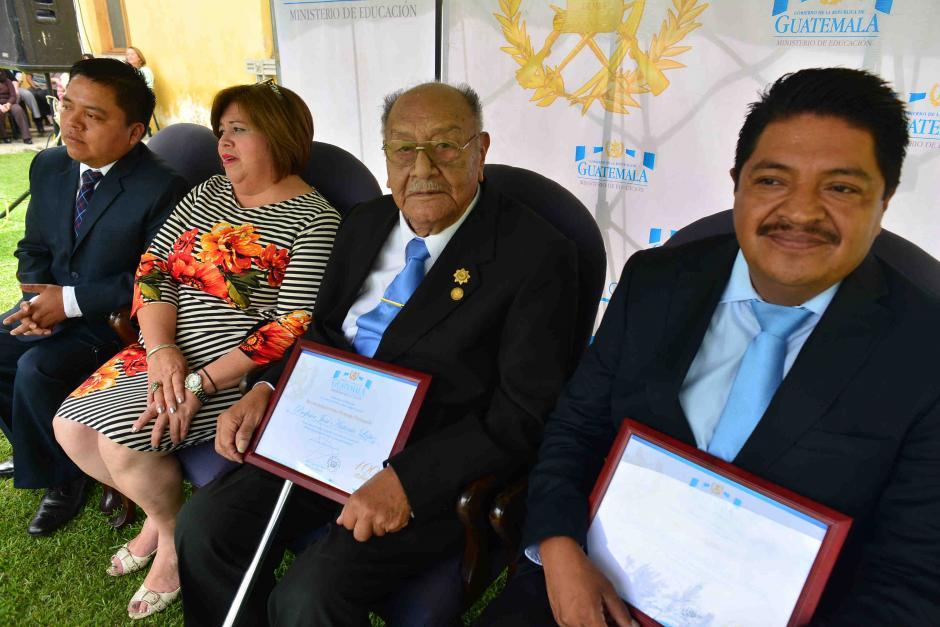 López fue reconocido por el Ministerio de Educación por su trayectoria. (Foto: Jesús Alfonso/Soy502)