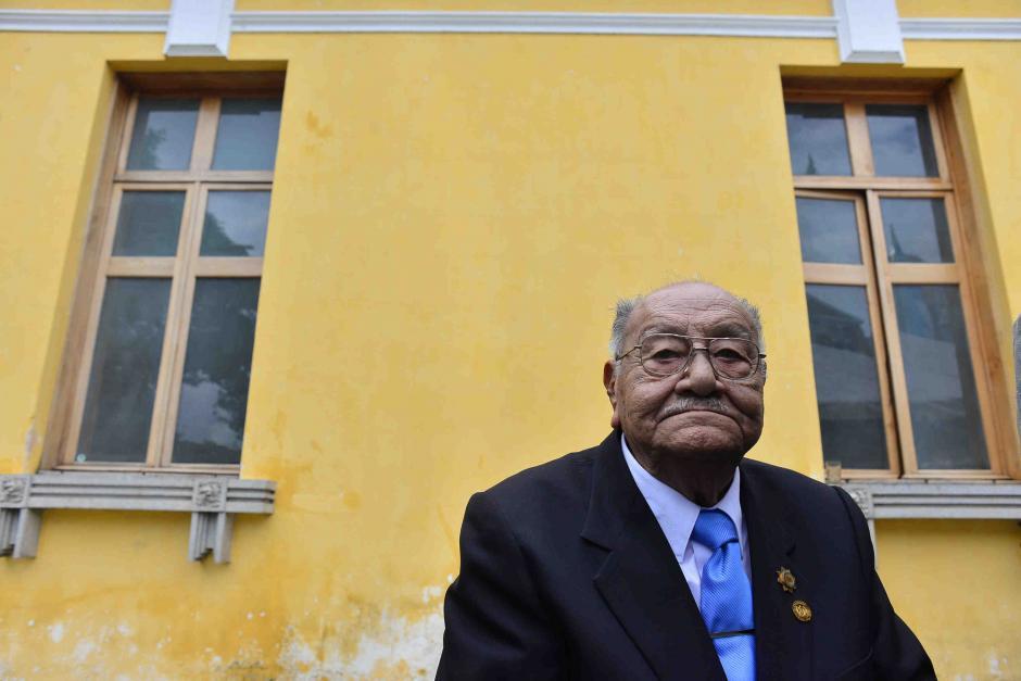 José Antonio López es el profesor más longevo de Guatemala. (Foto: Jesús Alfonso/Soy502)