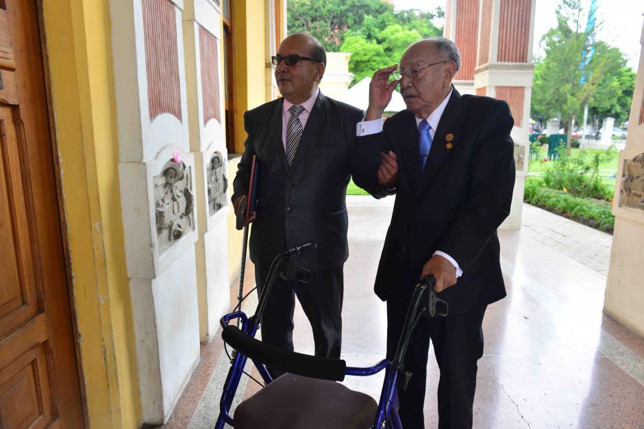 López tiene más de 72 años de experiencia como profesor. (Foto: Jesús Alfonso/Soy502)