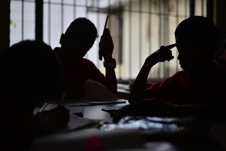 Los niños del hogar reciben tutorías. (Foto: Wilder López)
