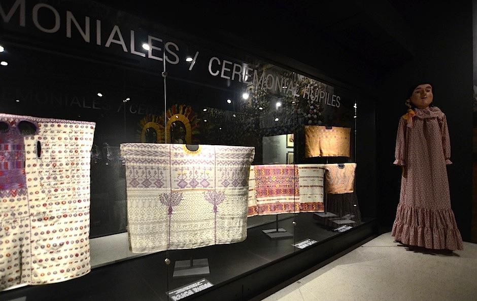 """Ixchel inaugura su nueva exposición titulada """"Cofradías"""". (Foto: Selene Mejía/Soy502)"""