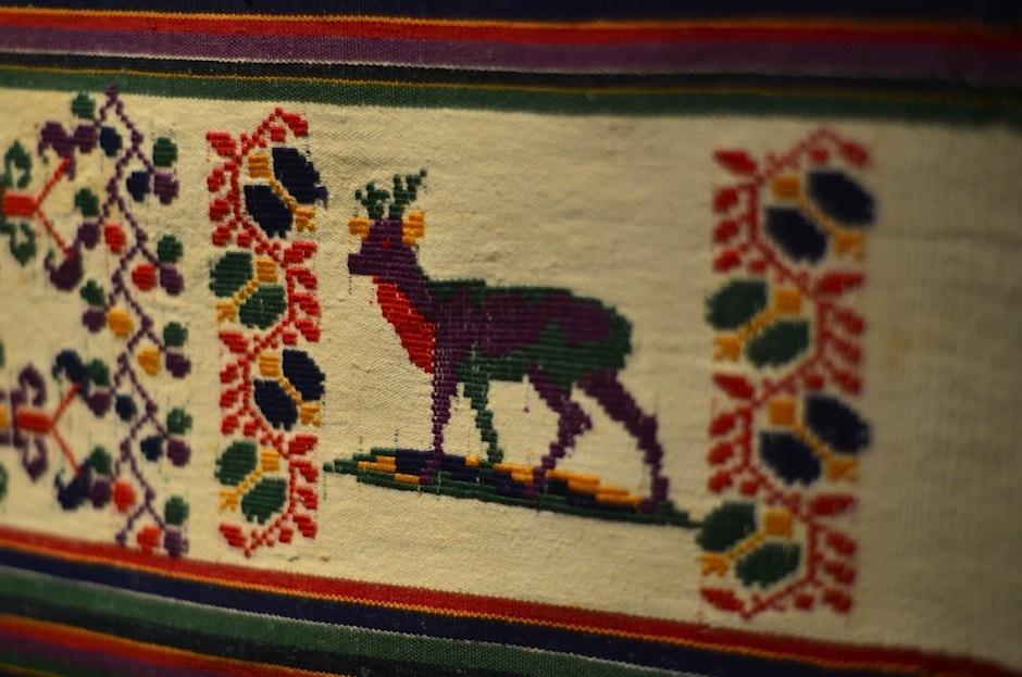 Los bordados representan la naturaleza y cosmovisión de nuestro país. (Foto: Selene Mejía/Soy502)