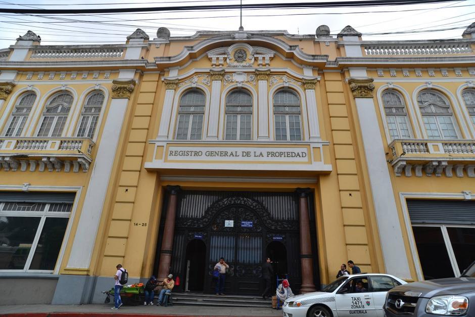 Anabella de León, exregistradora de la Propiedad, compró un pararrayos de 2.4 millones de quetzales en medio de un confuso proceso de adquisición. (Foto: Wilder López/Soy502)