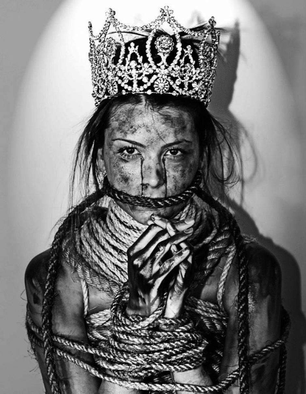 La Miss Universo 2009 se unió a esta campaña impactante del fotógrafo Daniel Bracci. (Foto: Facebook)