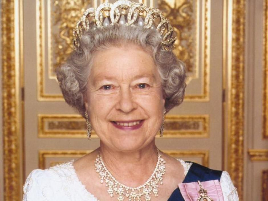 Cuenta de twitter de la reina Isabel II. (Foto: Twitter)