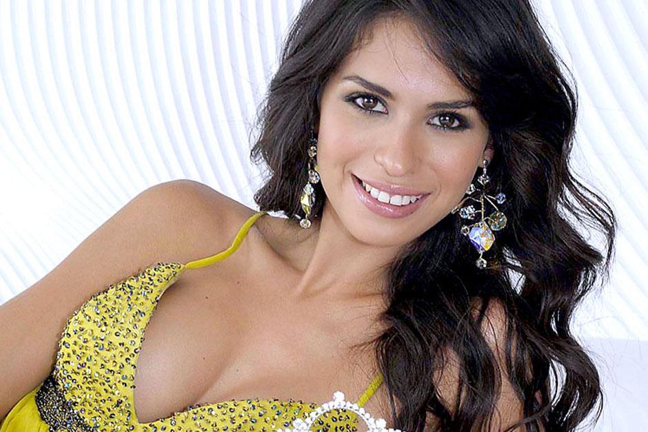 Emma Coronel es una exreina de belleza y tiene 24 años