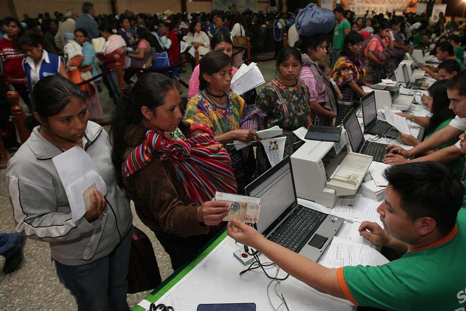 Las remesas de inmigrantes guatemaltecos aumentaron, a pesar de la gran cantidad de deportados