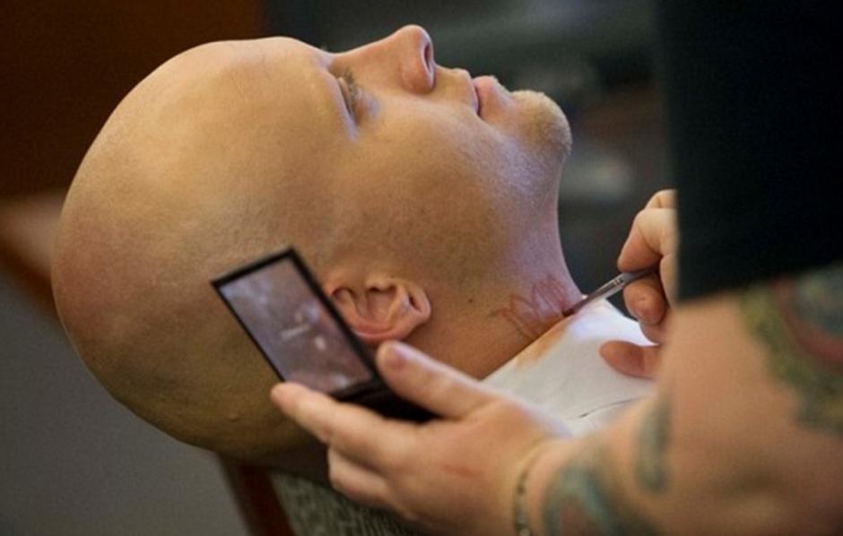 Los miembros del jurado indicaron que no podían podrían tratar el caso debido a los tatuajes.  (Foto: www.dailymail.co.uk)