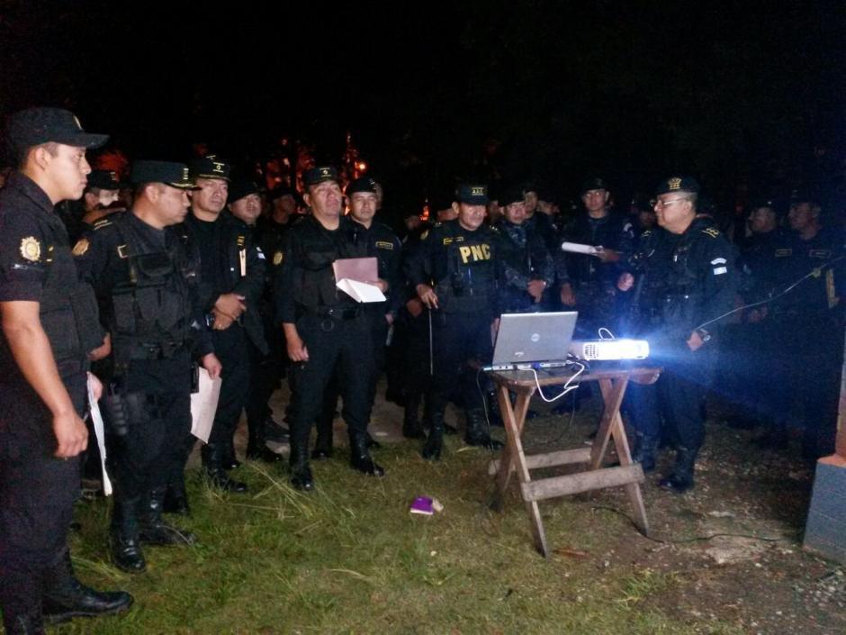 Desde tempranas horas de este viernes las autoridades realizan una requisa en Pavoncito. (Foto: PNC)