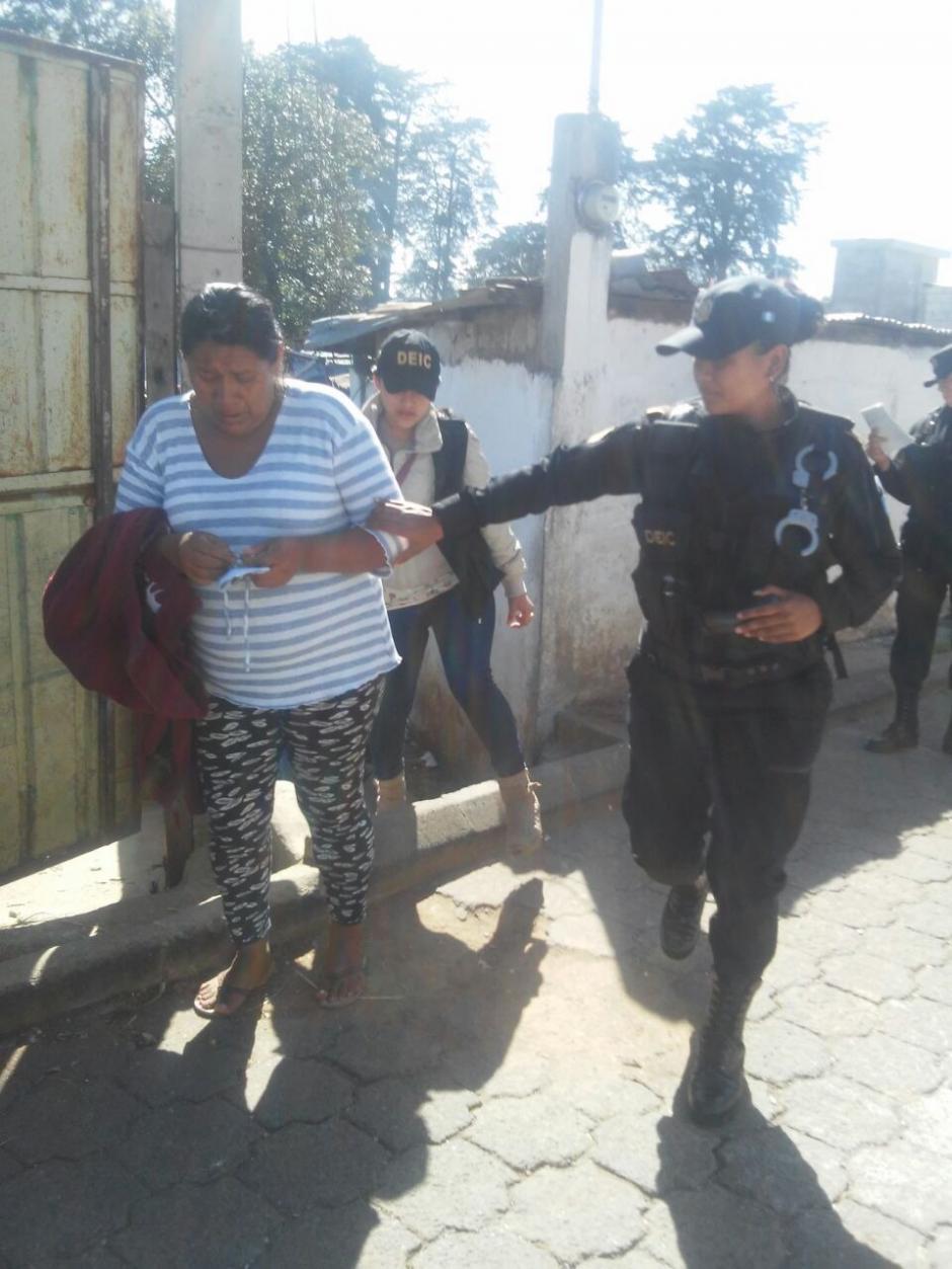 El rescate de los menores y las capturas se realizaron en Fraijanes. (Foto: PNC)