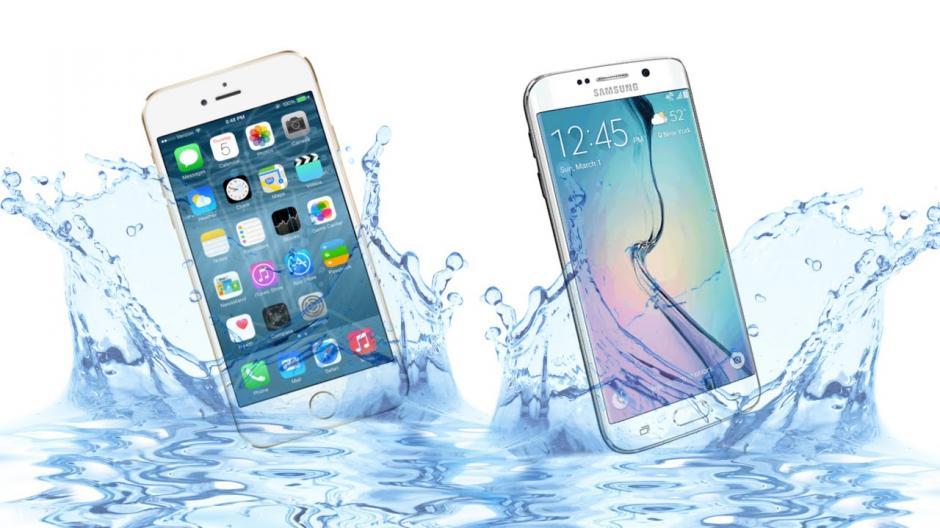 No verifiques si el teléfono resiste el agua. (Foto: www.youtube.com)