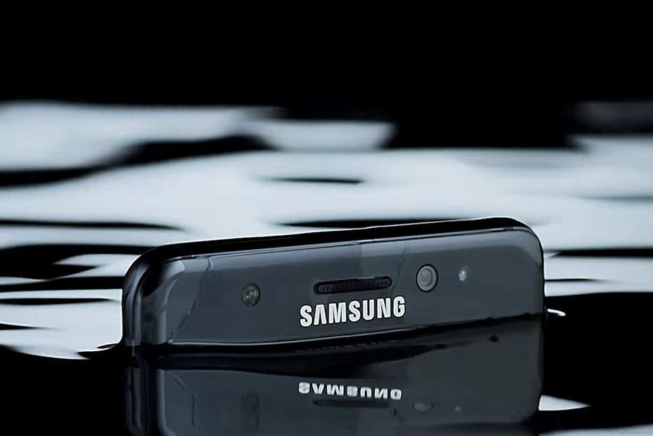 Samsung presenta su nuevo dispositivo con una increíble resistencia al agua. (Foto: Samsung)