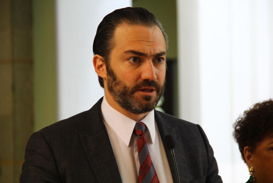 Acisclo Valladares, Comisionado Presidencial para la Competitividad, anunció que se podrá fiscalizar el gasto a través de una web. (Foto: Alejandro Ortíz/Soy502)
