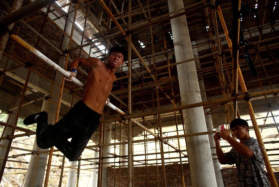 Shi Shenwei se ha vuelto famoso por su rutina de ejercicios. (Foto: Reuters)